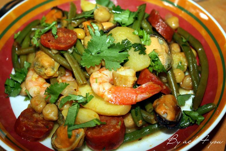 Poêlée espagnole de pommes de terre aux moules et chorizo