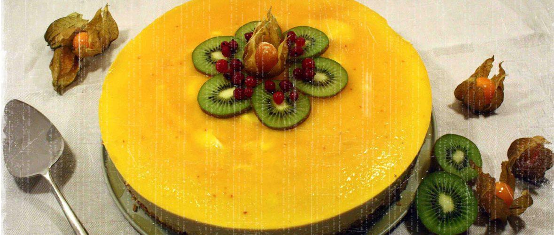 Le tropical : dacquoise coco, mousse à la mangue, nappage fruit de la passion