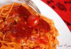 Fondue de poivrons au cheddar, spaghettis de quinoa à la tomate