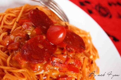 spaghetti tomate et fondue de poivron au cheddar a