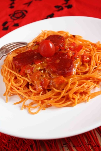 spaghetti tomate et fondue de poivron au cheddar c