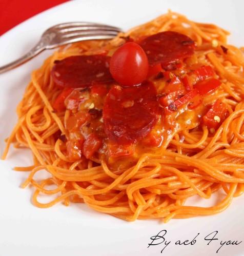spaghetti tomate et fondue de poivron au cheddar d