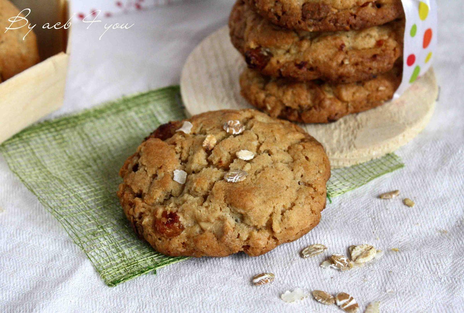 Cookies chocolat blanc, raisins blonds et flocons d'avoine