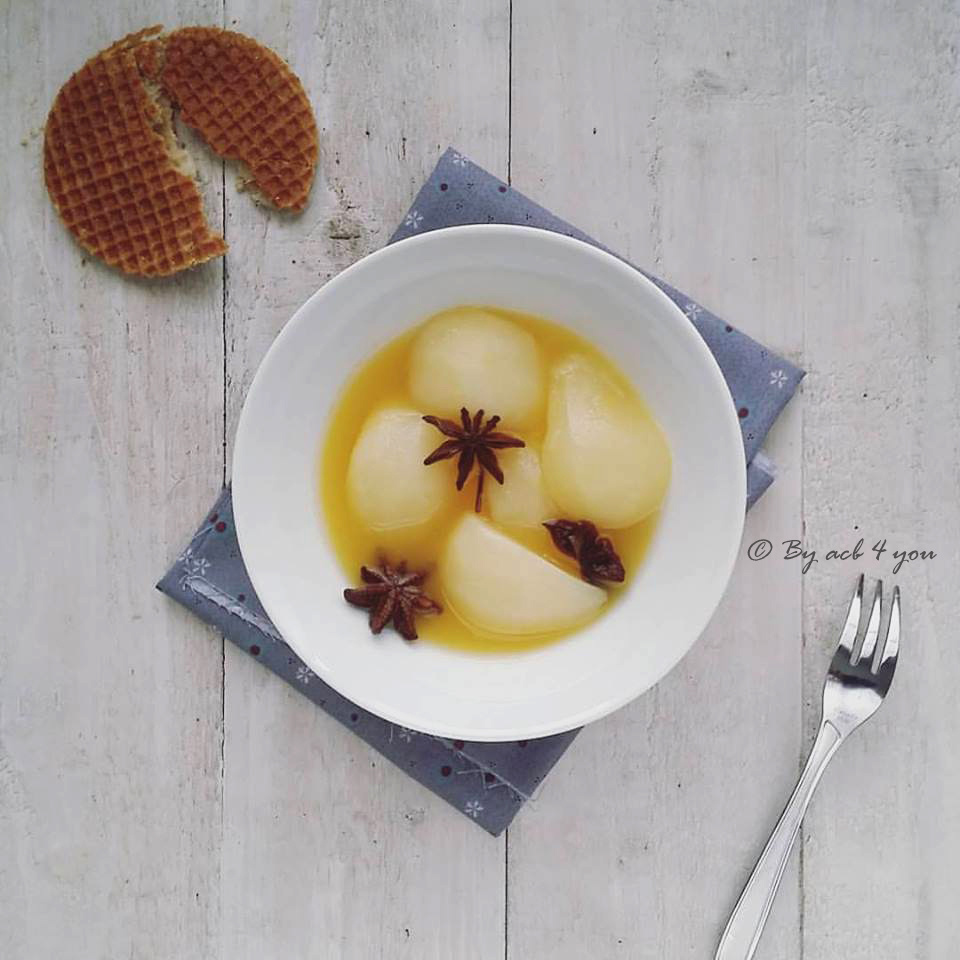 Poires pochées au jus d'orange