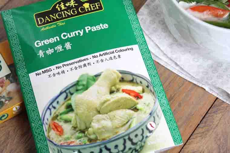 Curry de poulet aux légumes et lentilles blondes