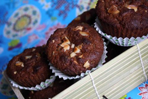 Muffin moelleux praliné, gingembre confit et noix de macadamia