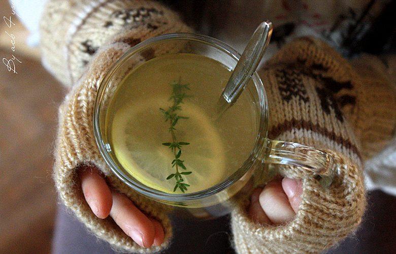 Citron chaud au miel et au thym pour les petits bobos de l'hiver
