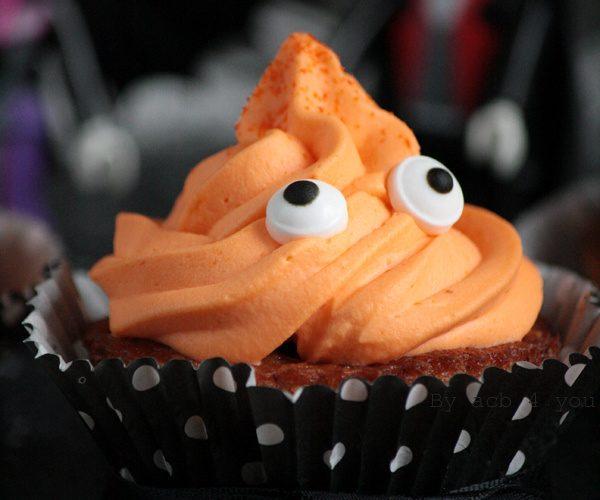 Cupcake d'Halloween poire, noisette, orange et double choc!