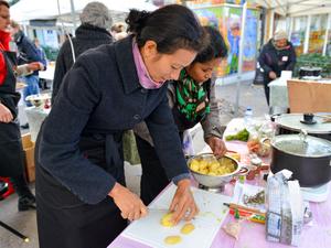 Velouté de chou fleur, curry et cacahuète et Amoureusement soupe 2014
