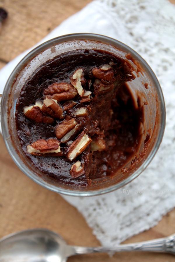 Mug cake choco banane et noix de pécan