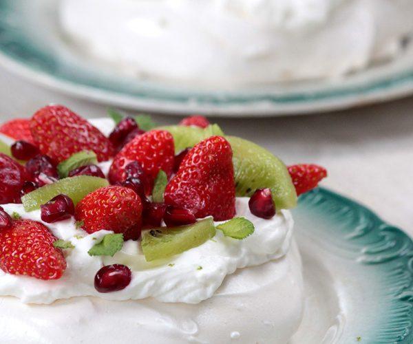 Pavlova fraise, kiwi et citron vert