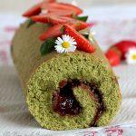 Gâteau roulé au matcha, confiture fraise basilic