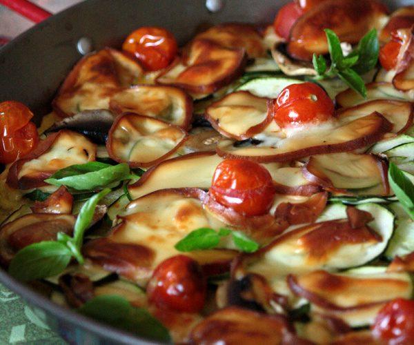 Polenta façon pizza à la courgette et scamorza