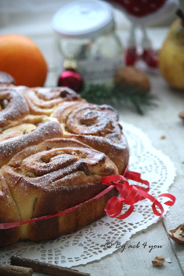 Christmas rolls ou une brioche roulée pour un Noël enchanté