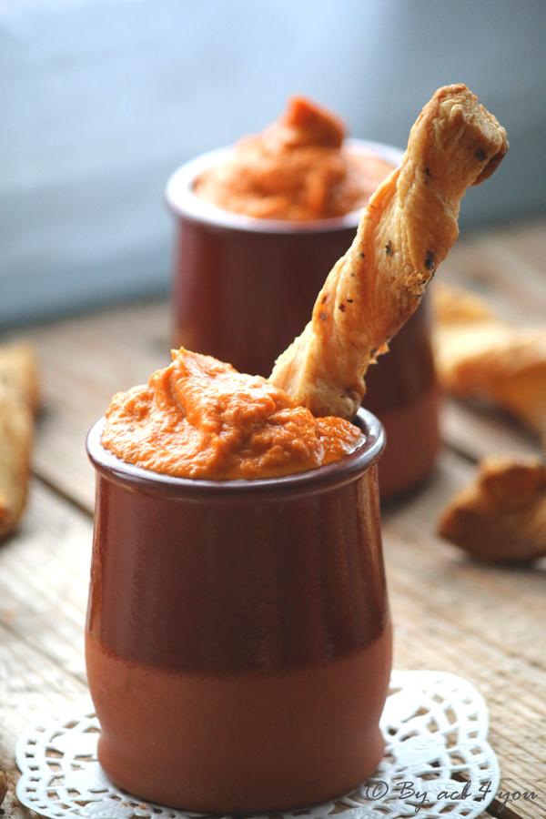Tartinade de carotte et tomate séchée, avec ses torsades feuilletées à la Force Basque à trempouiller dedans