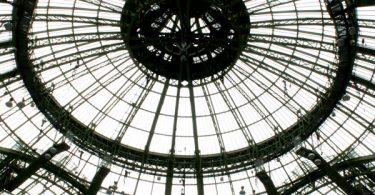 Sous la voûte étoilée du Grand Palais