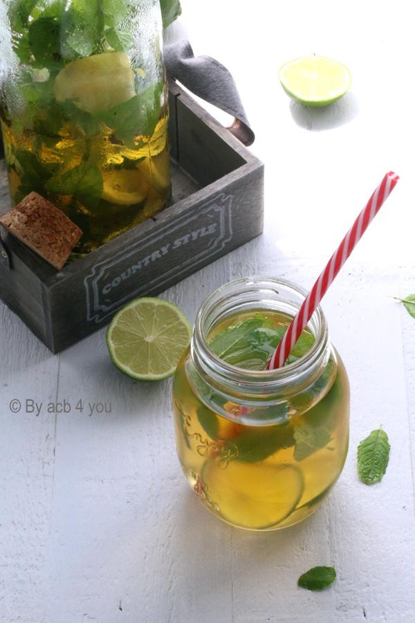 Thé glacé aux épices, menthe et citron