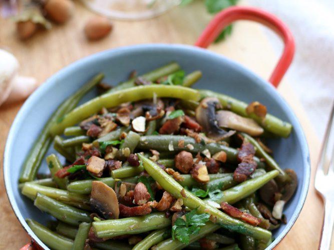 Poêlée de haricots verts, champignons et noisettes