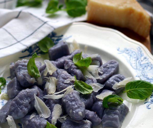 Gnocchi violets