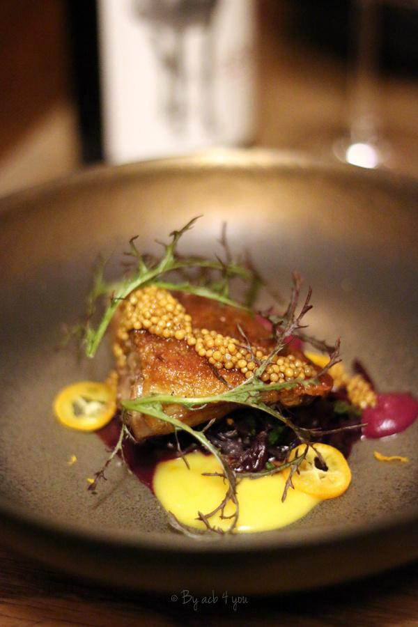 Cuisse de canard confite et chou rouge braisé