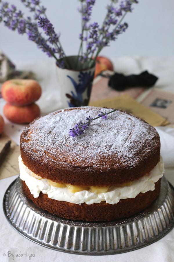 Sponge cake à la pêche et lavande
