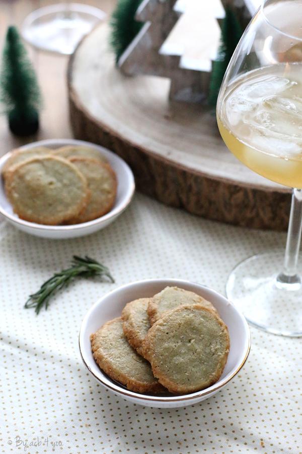 Biscuits apéritifs au roquefort