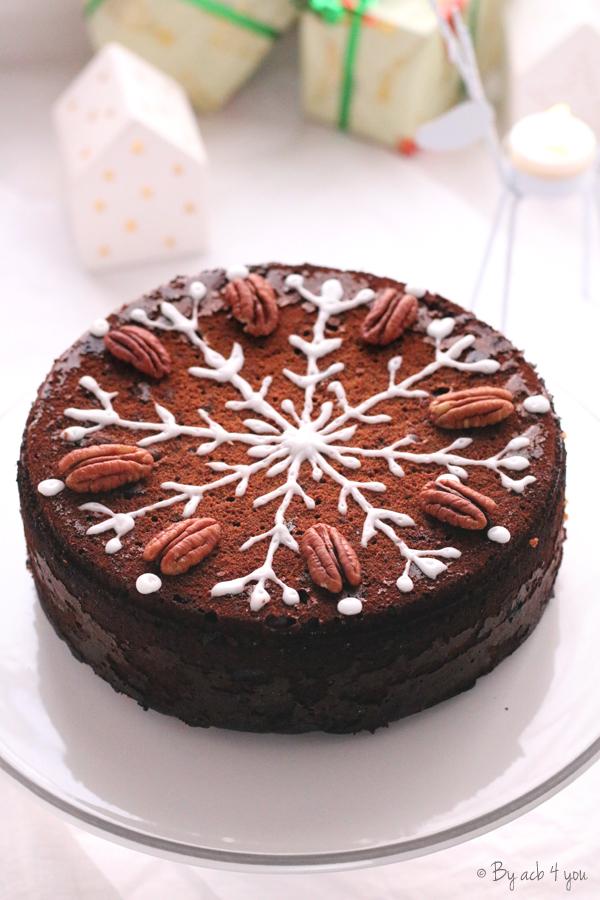 Gâteau aux noix de pécan décoré pour Noel