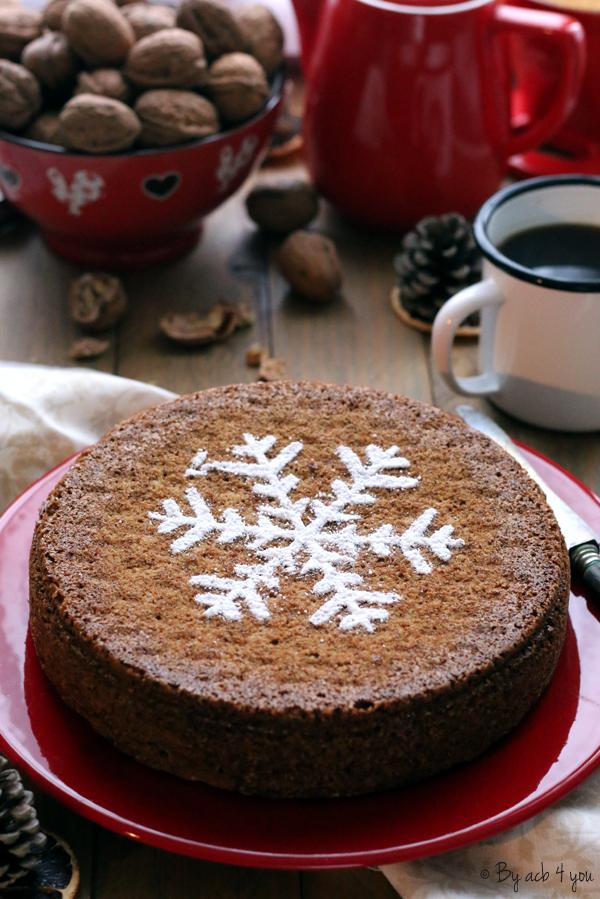 Gâteau aux noix décoré d'un flocon de neige