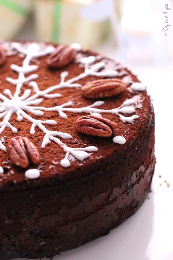 Christmas pecan cake