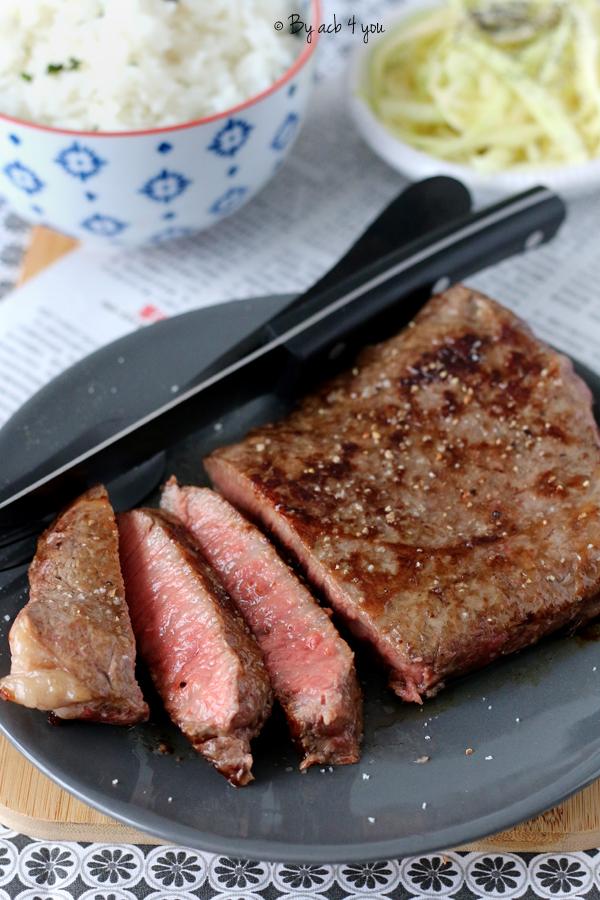 Steak de faux filet de bœuf japonais Wagyu