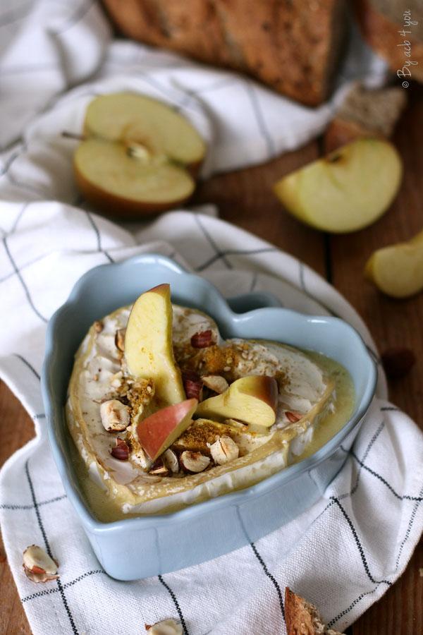 Neufchâtel rôti aux épices, noisettes et pomme