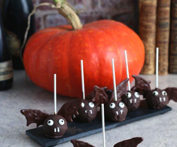 Bat pop cake