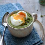 Velouté crémeux de brocoli et son œuf mollet