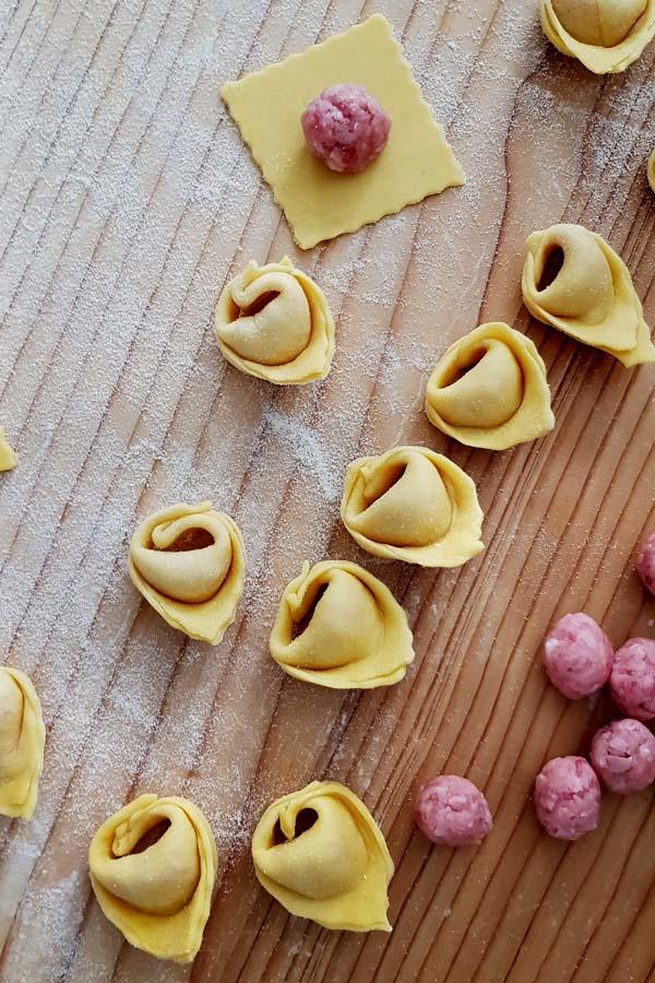 Recette traditionnelle de tortellini et tortelloni