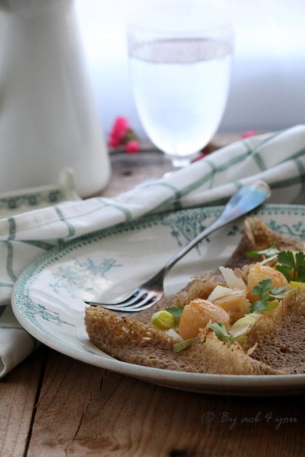Galette aux saint Jacques et fondue de poireaux