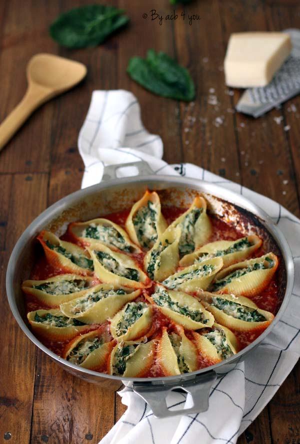 Conchiglioni au thon et épinard , sauce tomate et parmesan