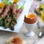 Œuf à la coque et mouillettes d'asperges