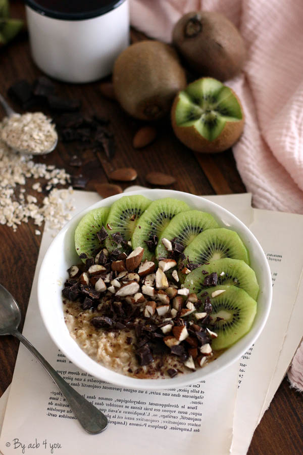 Porridge amande et  kiwi, chocolat et sirop d'érable