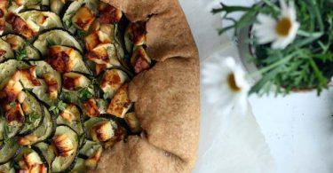 tarte rustique courgettes feta et pignons de pin