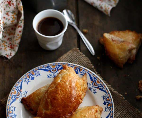 Chaussons aux coings, noix et cannelle