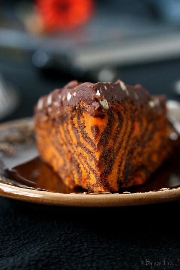 Zebracake d'Halloween glaçage chocolat rocher