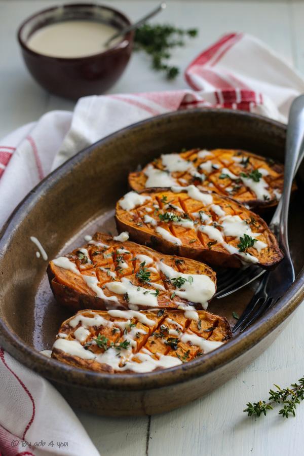 Patates douces rôties au four, sauce au tahini
