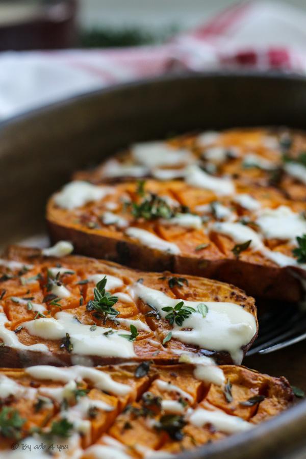 Patates douces rôties au four, sauce au sésame