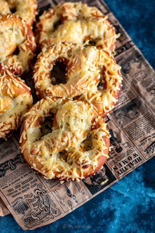 Traditionnelles bretzels au fromage