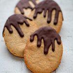 Biscuits flocons d'avoine, gingembre et chocolat pour Pâques