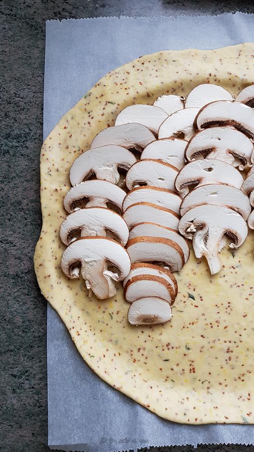 Tarte rustique aux champignons et au Vacherin Fribourgeois