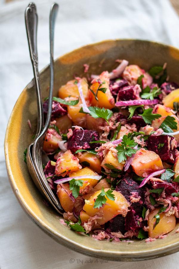 Salade de pomme de terre au thon et betterave